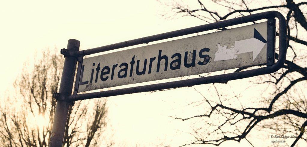 Hinweisschild Literaturhaus Hamburg